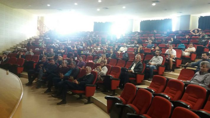 On Wednesday 15-05-19, on the initiative of Professor G. Mantani, was organized in the amphitheater of the former Department of Design and Technology of Wood and Furniture (University of Thessaly), in Karditsa, happening related to wood technology and especially prefabricated wooden houses.